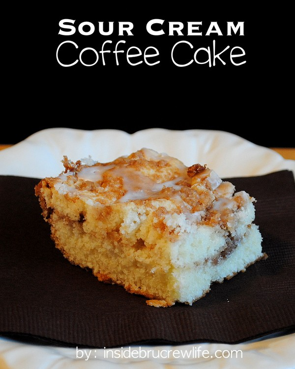 Sour Cream Coffee Cake - this delicious sour cream coffee cake has a ...
