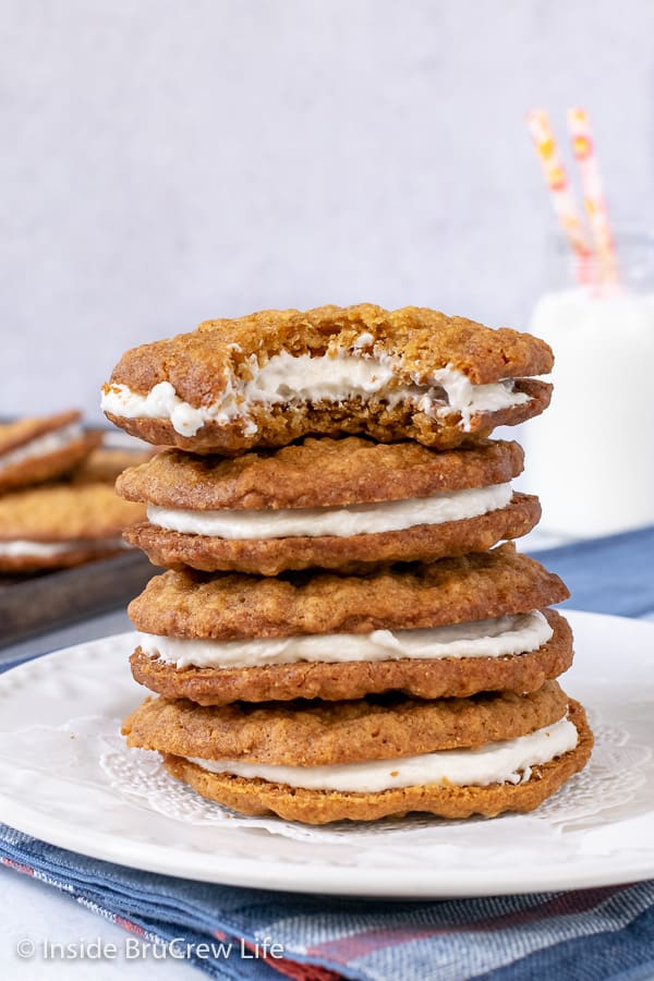 Homemade Oatmeal Cream Pies - these chewy oatmeal cookies with marshmallow filling are a perfect copycat of the store bought treats. Great recipe to make for dessert or bake sales.