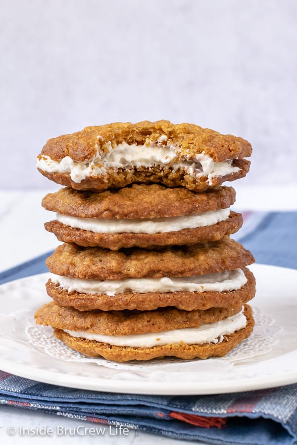 Homemade Oatmeal Cream Pies - soft chewy oatmeal cookies filled with a marshmallow filling will satisfy your childhood memories of this easy store bought treat. Great recipe for bake sales or after school snacks.