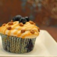 {Blueberry Caramel Pecanbon Cupcakes}