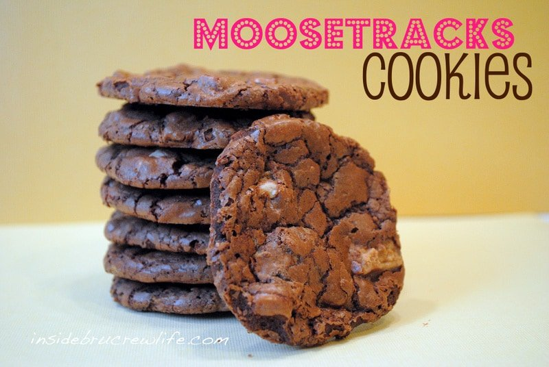 Moose Tracks Cookies - chocolate and peanut butter in one amazing cookie https://www.insidebrucrewlife.com
