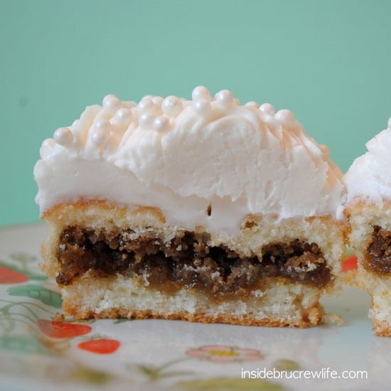 Oatmeal Creme Pie Cupcakes 1