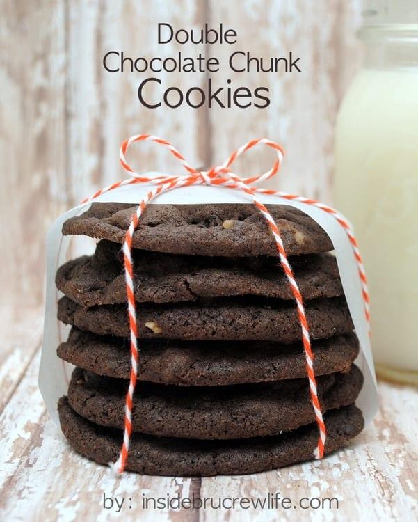 Double Chocolate Chunk Cookies - chocolate mocha cookies with chocolate chunks and nuts www.insidebrucrewlife.com