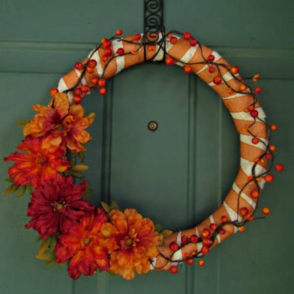 Easy DIY Fall Wreath - wrap a wreath from with burlap and glue flowers and vines around it. #wreath #craft #burlap #fall #easy