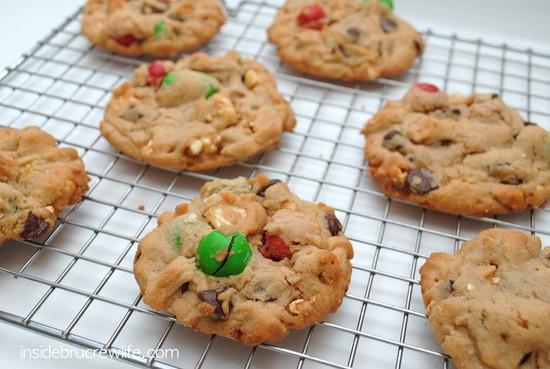 Caramel Corn Pretzel Cookies - peanut butter chocolate chips cookies with caramel corn and pretzel MM candies  https://www.insidebrucrewlife.com