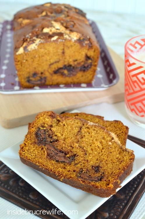 Nutella Marshmallow Pumpkin Bread - this easy sweet bread has swirls of chocolate and marshmallow inside it. Great fall breakfast recipe!