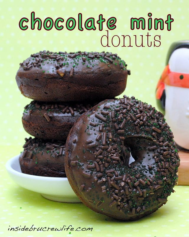 Chocolate Mint Donuts - chocolate donuts topped with a  mint chocolate glaze #breakfast #donuts http://www.insidebrucrewlife.com