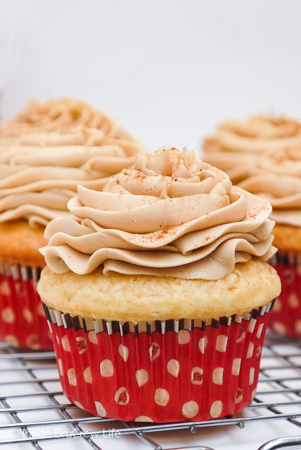 Eggnog Latte Cupcakes - soft eggnog flavored cupcakes topped with a sweet coffee frosting. Perfect holiday dessert for the coffee lover's in your life! Great recipe for Christmas!