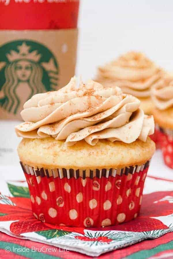 Eggnog Latte Cupcakes - a swirl of coffee frosting on an eggnog cupcake makes these taste just like the coffee shop drink. Great recipe for Christmas!