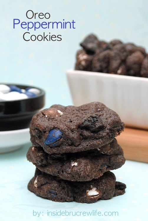 Oreo Peppermint Cookies - dark chocolate cookies with Oreo chunks and peppermint patty candy pieces www.insidebrucrewlife.com