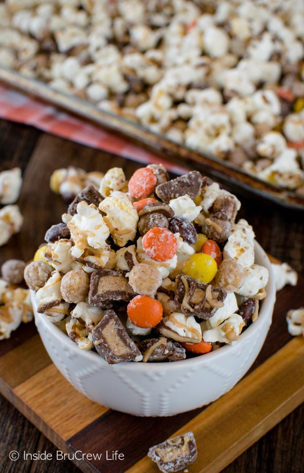 Reese's Popcorn - chocolate and peanut butter added to this snack mix makes a great no bake treat to munch on!