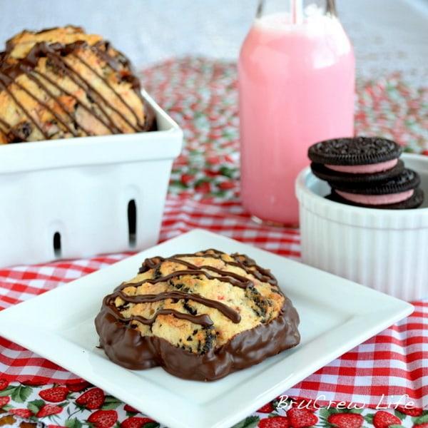 Berry_Burst_Oreo_Scones, Oreo cookies