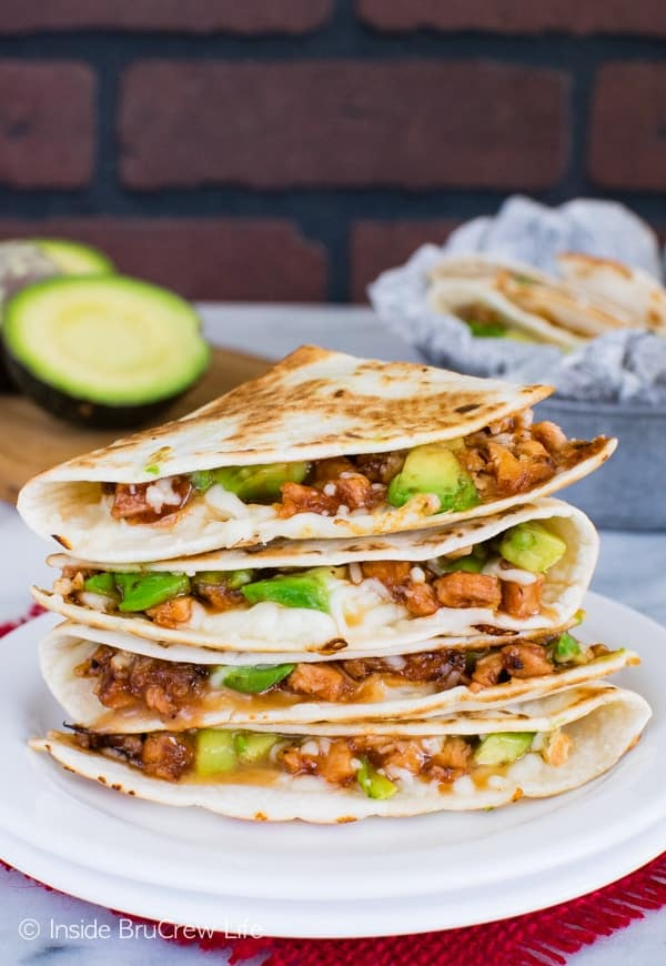 BBQ Chicken & Avocado Quesadillas - melted cheese, chicken, and avocados make a delicious quesadilla dinner. Awesome easy meal recipe!