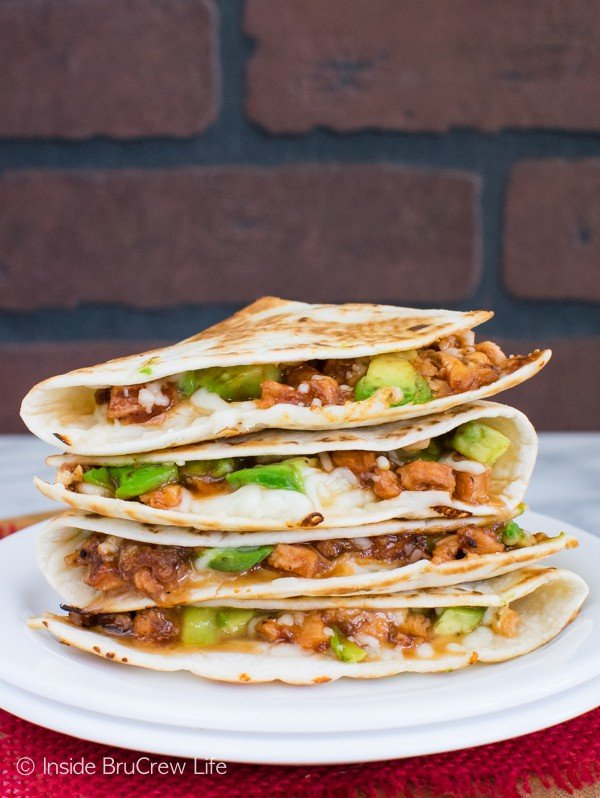 BBQ Chicken & Avocado Quesadillas - shredded chicken, melted cheese, and avocados come together in one delicious and easy meal idea. Great dinner recipe!
