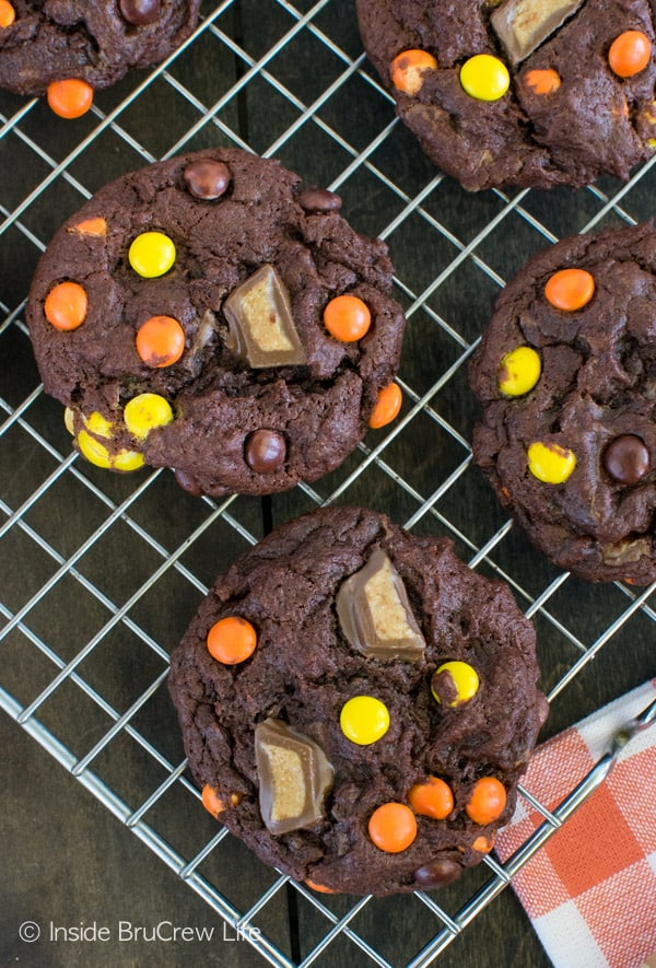 Banana Reese's Cookies - soft and chewy cookies loaded with peanut butter candies is a must! This is one awesome dessert!