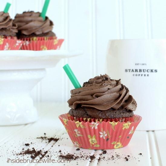 Mocha Cookie Crumble Cupcakes - chocolate cupcakes with a fun mocha frosting and chocolate cookie chunks  https://www.insidebrucrewlife.com