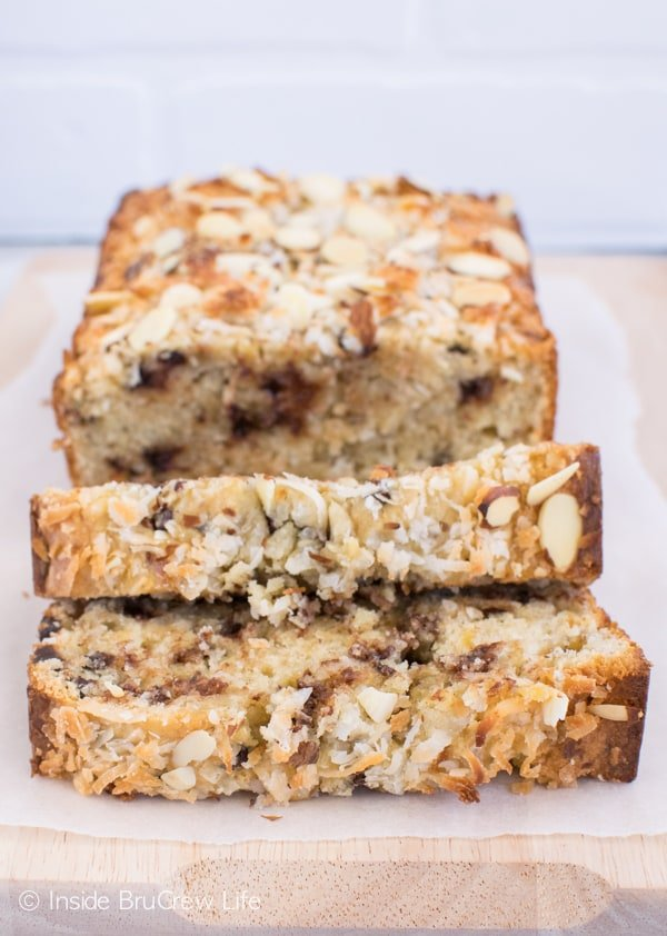 Almond Joy Banana Bread - this banana bread is loaded with chocolate, coconut, and almonds. Delicious sweet bread recipe to make with extra ripe bananas. #bananabread #coconut #almondjoy #sweetbread #breakfast #banana