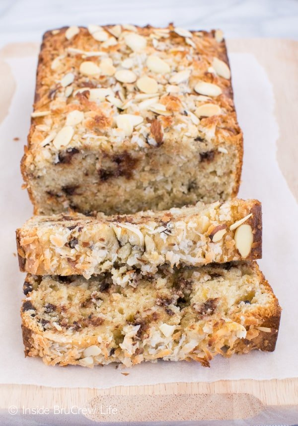 Almond Joy Banana Bread - chocolate, coconut, and almonds makes this sweet bread recipe disappear in a hurry. Great recipe to make for breakfast or brunch! #bananabread #coconut #almondjoy #sweetbread #breakfast #banana