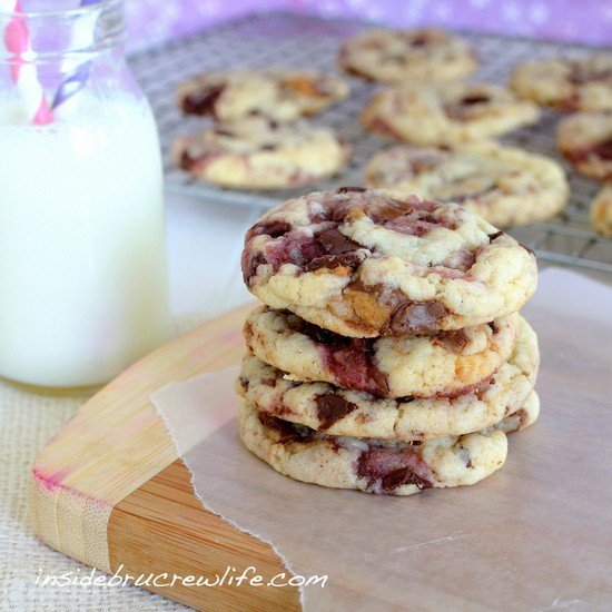 Peanut Butter and Jelly Cookies - cake mix cookies made with Reese's peanut butter cups and raspberry chocolate bars  http://www.insidebrucrewlife.com