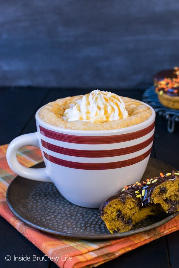 Salted Caramel Pumpkin Latte - this sweet coffee drink is full of fall flavor. This easy coffee house drink recipe that you can make at home will save you money.