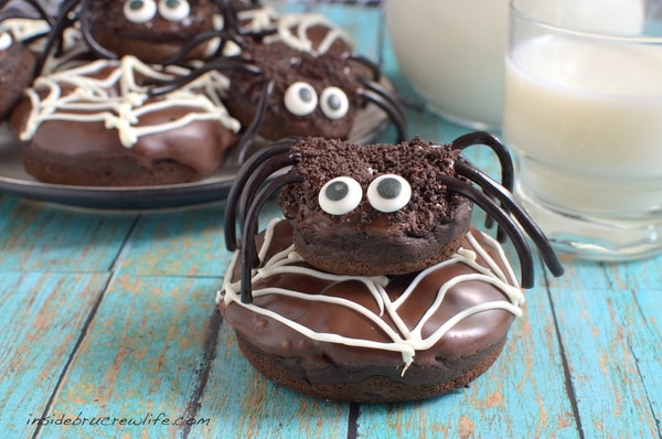 Chocolate Pumpkin Spider Donuts - a fun breakfast recipe to share at Halloween parties!