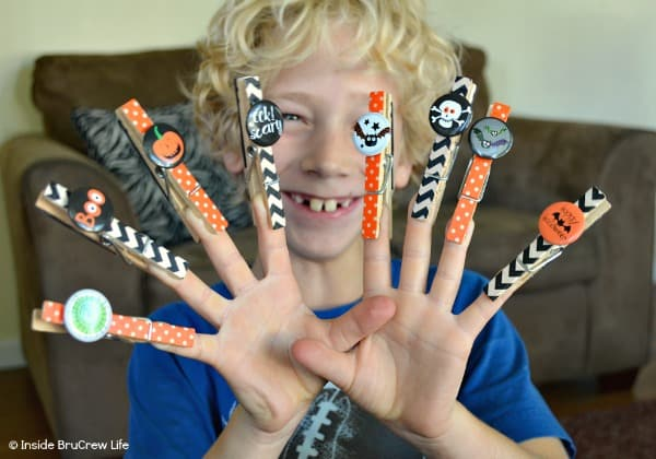 Halloween Washi Magnet Clips - these magnets can be put together in minutes with just a few supplies. Such an easy craft to make with your kids. #halloween #kidscrafts #magnets #easycraft