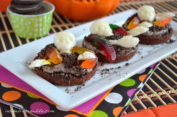 Creepy Crawly Brownie Pizzas