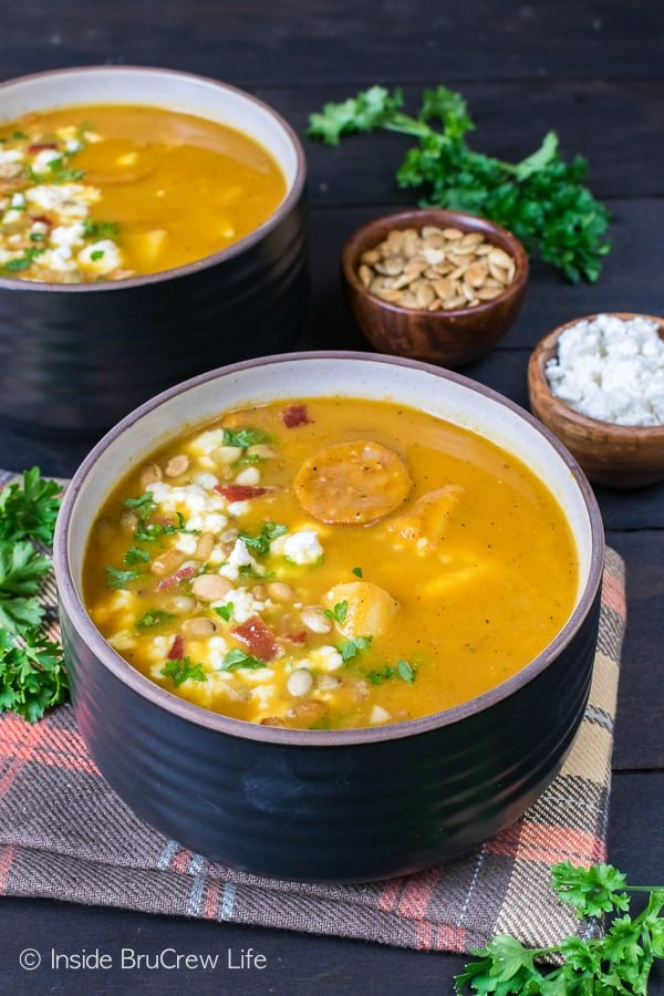 Pumpkin Potato Corn Chowder - this hearty fall soup is loaded with meat, veggies, and pumpkin flavor. Awesome soup recipe for cold fall nights!