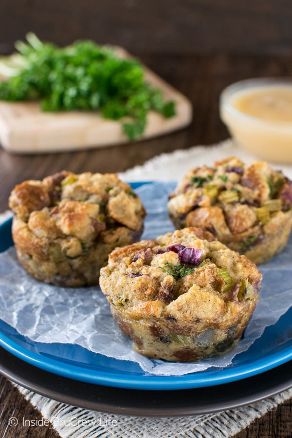 Stuffing Muffins - change up the traditional side dish by baking your stuffing in a muffin tin. Great recipe for Thanksgiving dinner! #dinner #stuffing #thanksgiving #holiday #stuffins #sidedish