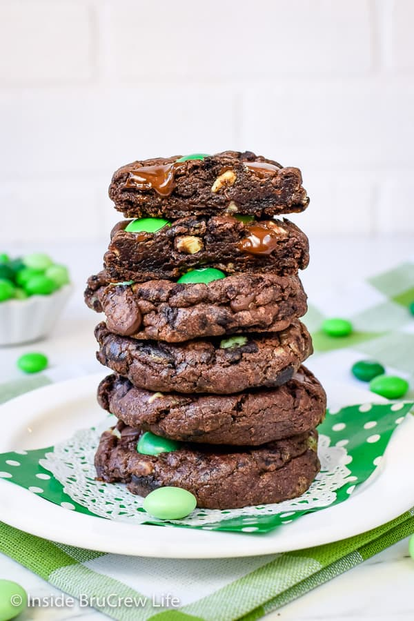 Chocolate Mint Cookies - these chocolate cake mix cookies are loaded with three kinds of mint candies and cookies! Make this easy recipe for your cookie jar today! #cakemix #chocolate #cookie #mint #cakemixcookies #cookiejar #andesmintchips