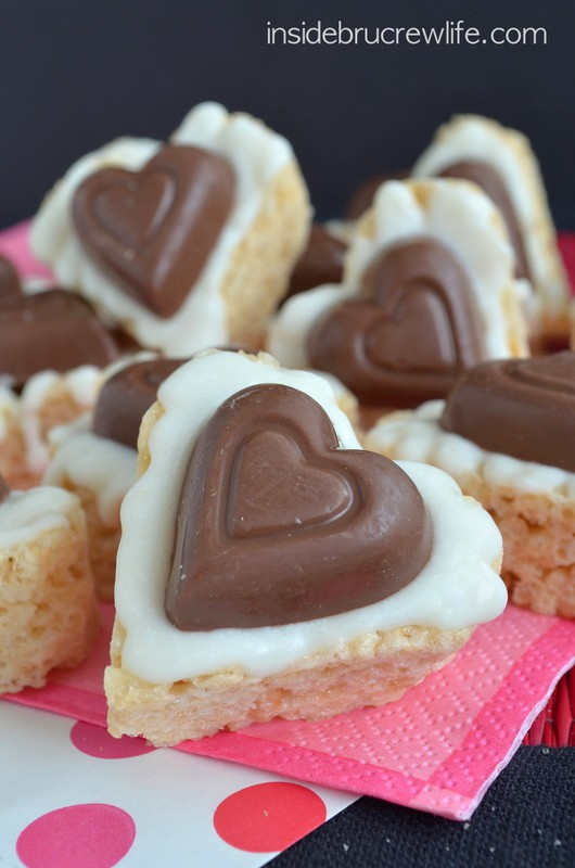 White Chocolate Reese's Krispie Hearts - easy no bake treats topped with a peanut butter cup heart!