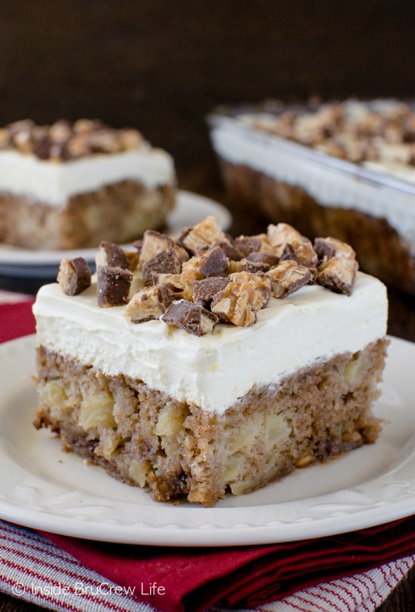 Apple Snickers Cake - apple cake meets Snickers salad in this awesome cake. Great fall dessert recipe!