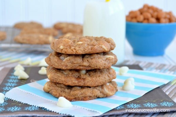 Banana Caramel Cookies from http://www.insidebrucrewlife.com - easy cake mix cookies made with bananas