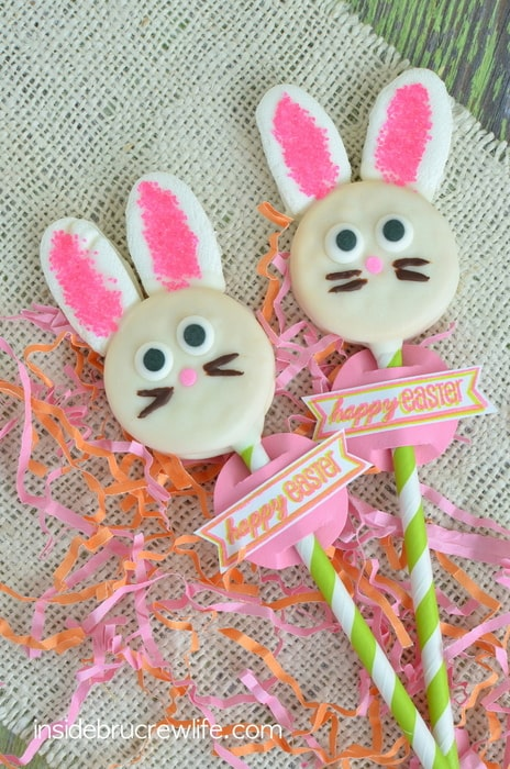 Marshmallow ears & sprinkles add a fun look to these Oreo Bunny Pops. Great Easter recipe!