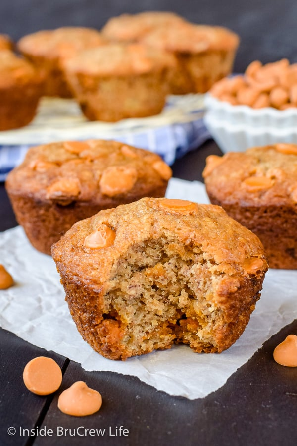 Butterscotch Banana Muffins - butterscotch chips give these easy banana muffins a sweet flavor. Make these muffins with the ripe bananas on your counter. #banana #muffins #butterscotch #breakfast #afterschooolsnack