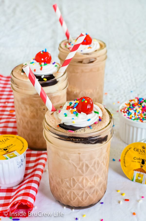 Mocha Fudge Milkshakes - make this easy three ingredient milkshake to cool off this summer. It's the perfect dessert on a hot day. #milkshake #coffee #mocha #fudge #recipe #summerdessert