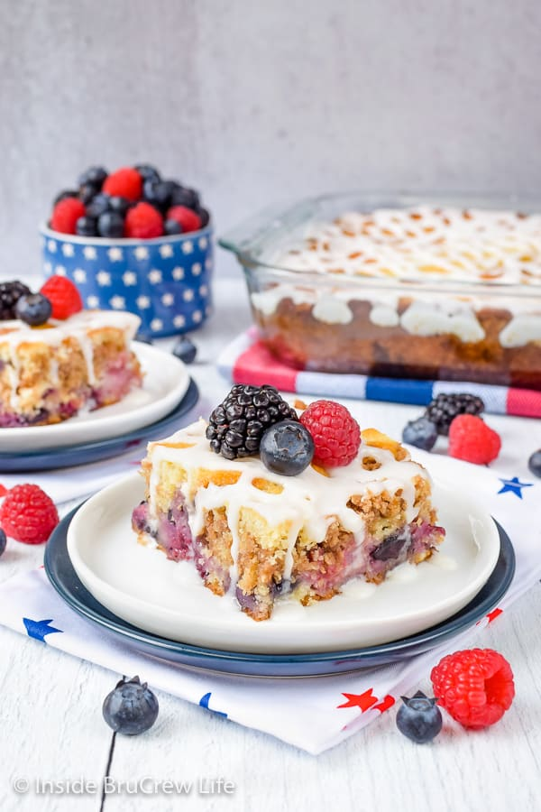 Triple Berry Coffee Cake - pockets of fresh fruit and buttery streusel makes this coffee cake so delicious. Make this easy recipe for summer breakfast! #coffeecake #freshfruit #tripleberry #breakfast