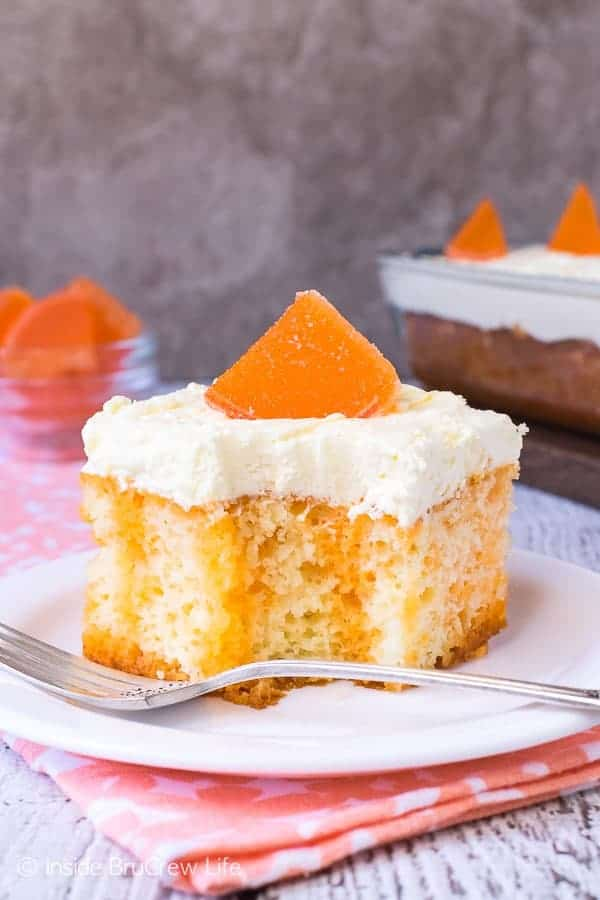 Easy Creamsicle Poke Cake Recipe