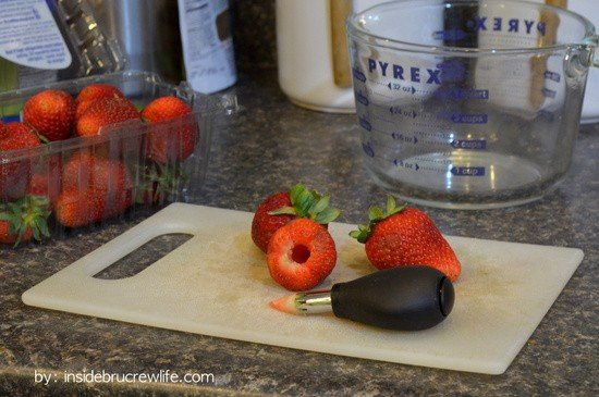 Make easy Mini Strawberry Pies with this little corer