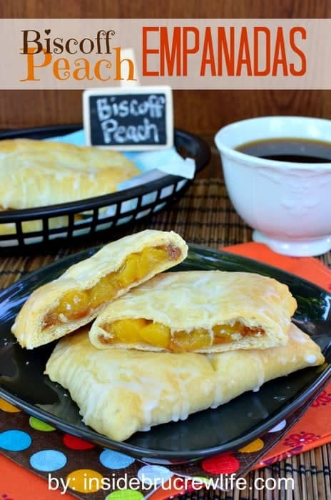 Biscoff Peach Empanadas - peach pie filling and cookie butter makes the best little pies! Awesome dessert recipe!