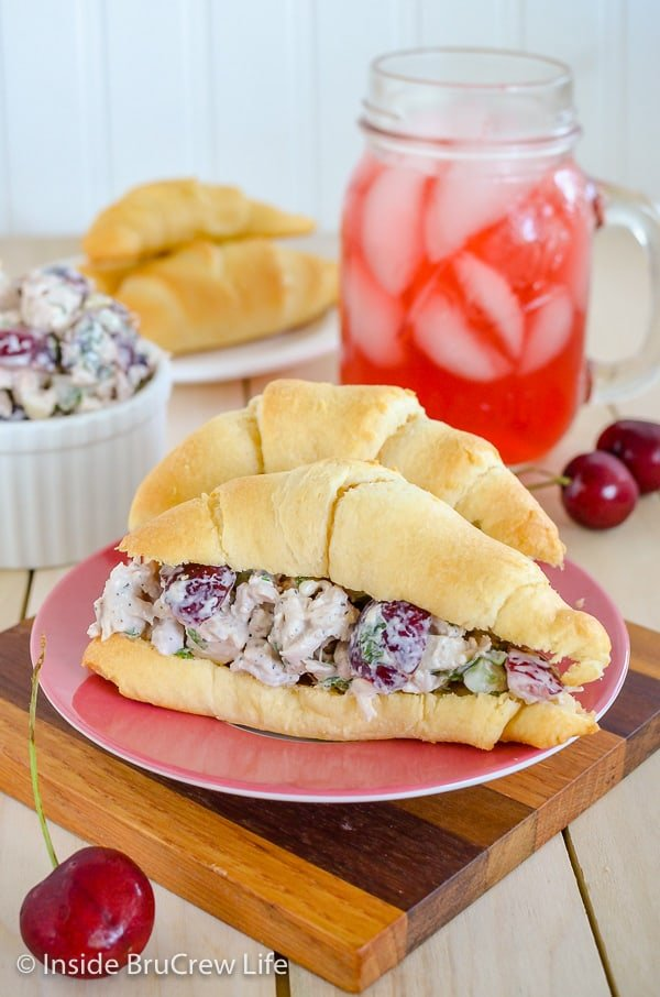 Cherry Walnut Chicken Salad - adding fresh cherries and walnuts makes this easy chicken salad taste so good. Easy recipe to make for dinner! #chicken #salad #cherry #recipe #freshcherries #chickensalad