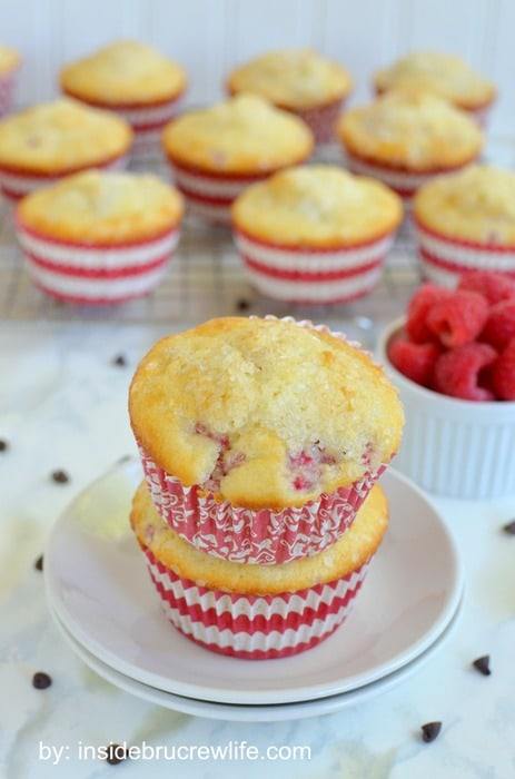 Raspberry Chocolate Chip Muffins | Inside BruCrew Life - easy baking mix muffins filled with fresh raspberries and chocolate chips #muffins #raspberry