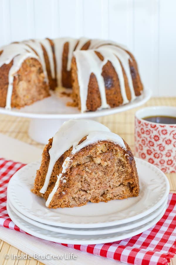 Caramel Apple Bundt Cake - adding apples and caramel bits to this homemade spice cake makes it perfect for fall parties! #cake #apple #fall #caramelapple #bundtcake #applecider