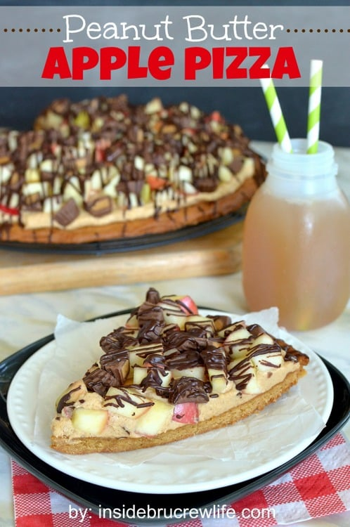 Peanut Butter Apple Pizza - peanut butter cookie topped with peanut butter filling, fresh apples, and Reese's peanut butter cups...you will love it  http://www.insidebrucrewlife.com