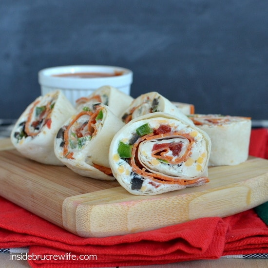 Pizza Pinwheels - easy pizza flavored appetizers that are full of dairy to fuel school lunches and after school snacks  http://www.insidebrucrewlife.com