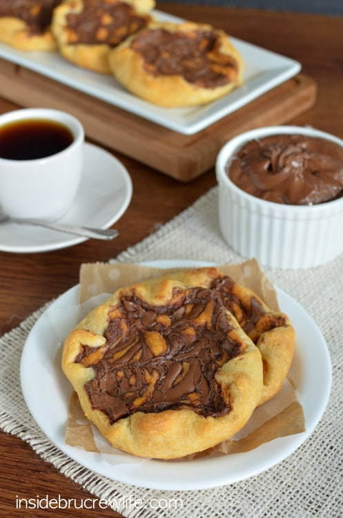 Pumpkin Nutella Cheesecake Danish - pumpkin cheesecake, Nutella, and Pillsbury crescent rolls are a match made in heaven http://www.insidebrucrewlife.com