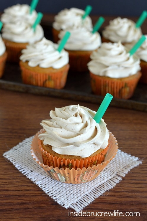 Pumpkin Spice Latte Cupcakes - these delicious cupcakes are a copycat version of Starbucks popular fall drink http://www.insidebrucrewlife.com