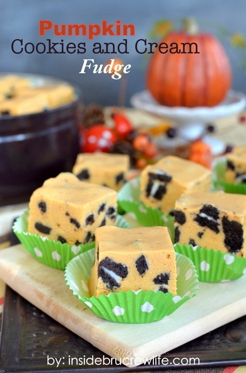 Pumpkin Cookies and Cream Fudge title-1