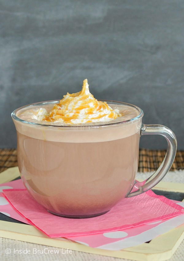 Salted Caramel Mocha Latte - this homemade drink tastes just like the coffee shop drink