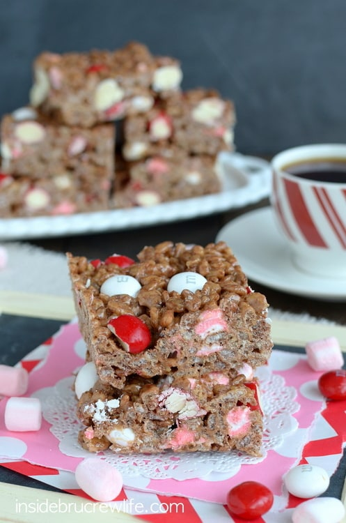 Coffee and peppermint give a fun coffee twist to these no bake Peppermint Mocha Rice Krispie Treats.  They are a great holiday dessert.
